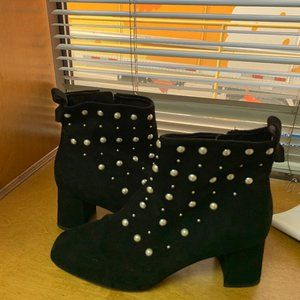 Renvy pearl boots
